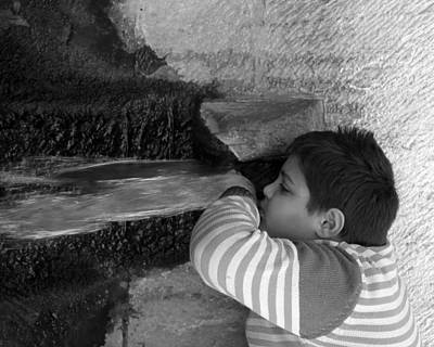Photograph - Kid Drinking From The Fountain by Munir Alawi