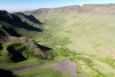 Photograph - Kiger Gorge, Steens Mountain, Oregon by Robert Mutch