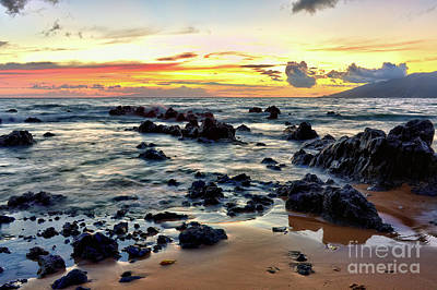 Photograph - Kihei Sunset 2 by Eddie Yerkish