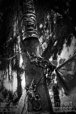 Photograph - Kii - Tiki And Moo Wood Carvings Kihei Maui Hawaii by Sharon Mau