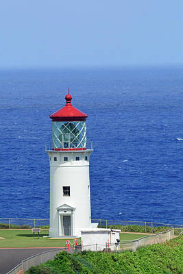 Photograph - Kilauea Point National Wildlife Refuge Lighthouse Closeup by Bruce Gourley