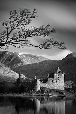 Kilchurn Castle Art Print by Dave Bowman