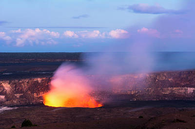Photograph - Kileaua Volcano by Joe Belanger