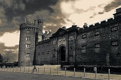 Photograph - Kilkenny Castle Entrance by Menega Sabidussi