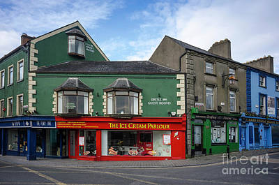 Photograph - Kilkenny Ice Cream Parlour by Les Palenik