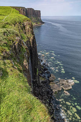 Photograph - Kilt Rock 0610 by Teresa Wilson