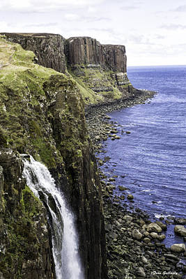 Photograph - Kilt Rock On The Isle Of Skye by Fran Gallogly