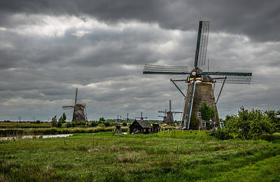 Photograph - Kinderdijk Windmill by John Johnson