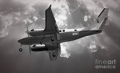 Photograph - King Air Twin Engine Turbo Prop by Dale Powell