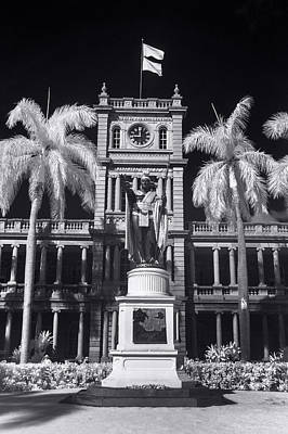 Infra-red Photograph - King Kamehameha Statue - Vertical by Sean Davey