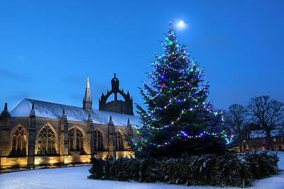 Photograph - King's College In The Snow by Veli Bariskan