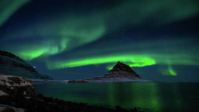 Photograph - Kirkjufell Aurora by James Billings