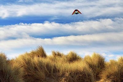 Photograph - Kite Over The Hill by James Eddy