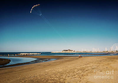 Kitesurf On The Beach Art Print