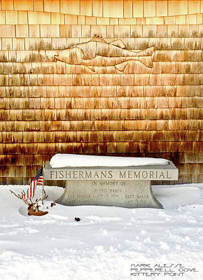 Photograph - Kittery Fisherman's Memorial by Mark Alesse