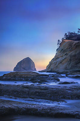 Photograph - Kiwanda Blue Sunset by Don Schwartz