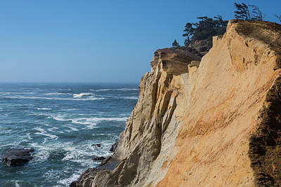 Photograph - Kiwanda Cliffs by Robert Potts