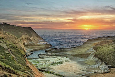 Photograph - Kiwanda's Punchbowl Sunset by Tim Moore