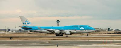 Klm Boeing 747-400 Art Print by Ian D'Costa