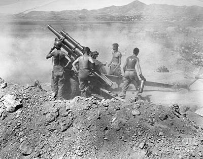 Photograph - Korean War: Artillery by Granger
