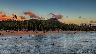 Photograph - Kuhio Beach by Susan Rissi Tregoning