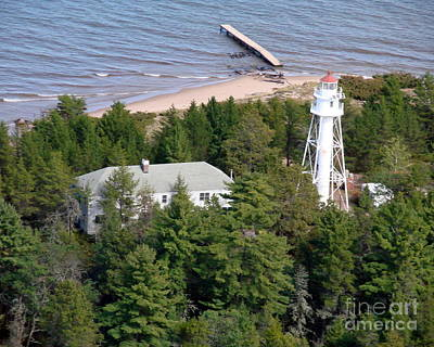 Photograph - L-005 Lapointe Lighthouse Ashland Wisconsin by Bill Lang