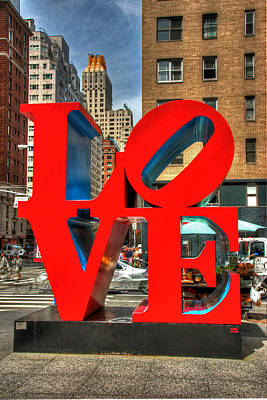 Photograph - Love In The Big Apple # 2 by Allen Beatty