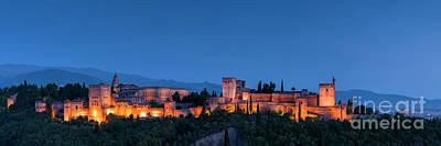 Photograph - La Alhambra by Hernan Bua