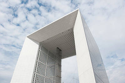 Photograph - La Grande Arche Paris by Helen Northcott