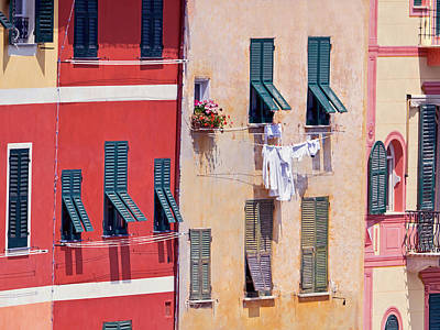 Photograph - La Lavanderia by Keith Armstrong