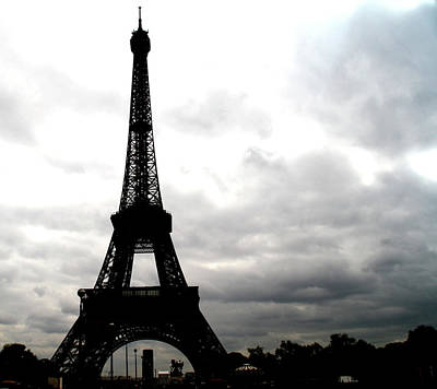 Photograph - La Tour Eiffel by Christopher Woods