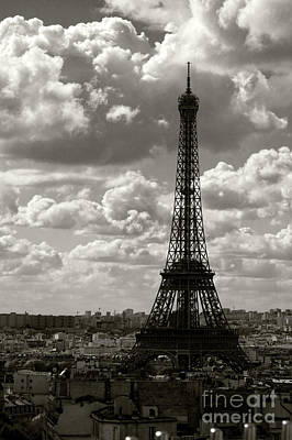 Photograph - La Tour Eiffel by Joerg Lingnau