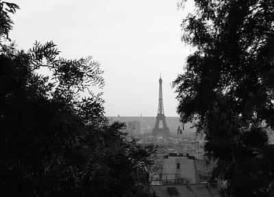 Photograph - La Tour Eiffel by Mary-Lee Sanders