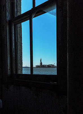 Photograph - Lady Liberty by Tom Singleton