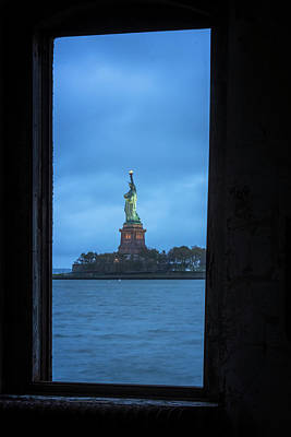 Photograph - Lady Liberty View by Tom Singleton
