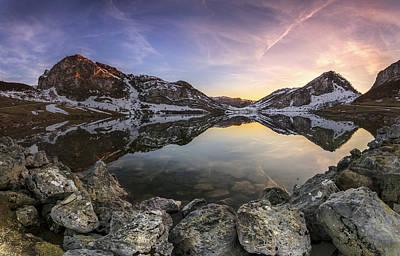 Round Rock Photograph - Lago Enol by Glendor Diaz Suarez
