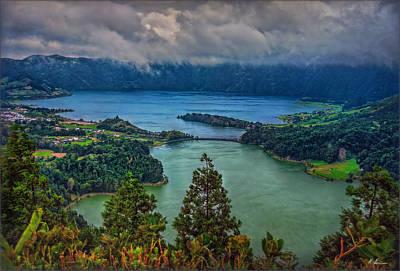 Photograph - Lagoa Verde E Lagoa Azul by Hanny Heim