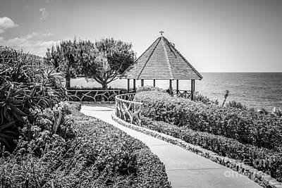Shack Photograph - Laguna Beach Gazebo Black And White Picture by Paul Velgos