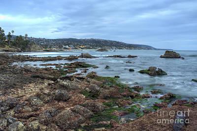 Laguna Beach Shoreline At Low Tide Art Print by Eddie Yerkish