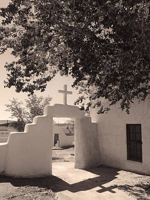 Southwest Gate Photograph - Laguna Mission Gate Monochrome by Gordon Beck