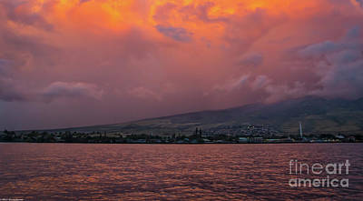 Photograph - Lahaina Hawaii by Mitch Shindelbower