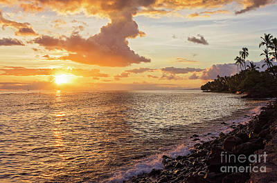 Photograph - Lahaina Sunset by Eddie Yerkish