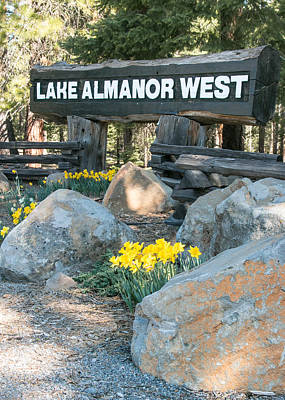 Photograph - Lake Almanor West Entry Sign by Jan Davies