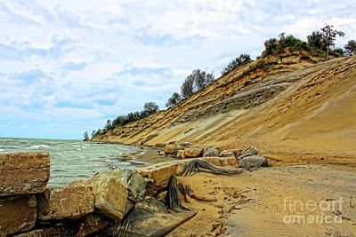 Photograph - Lake Erie Shoreline by Cathy Beharriell