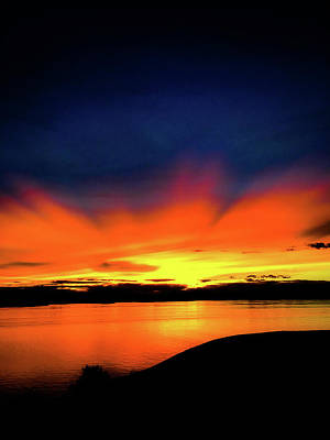 Photograph - Lake Havasu Sunset by Charles Benavidez
