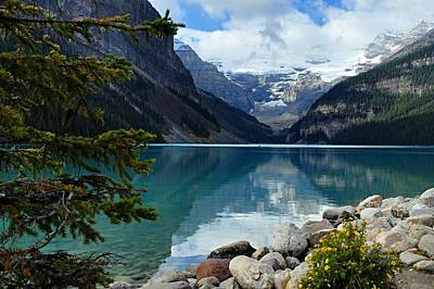 Snow. Mountain Photograph - Lake Louise 2 by Larry Ricker