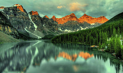 Photograph - Lake Louise - Alberta, Canada by Pixabay