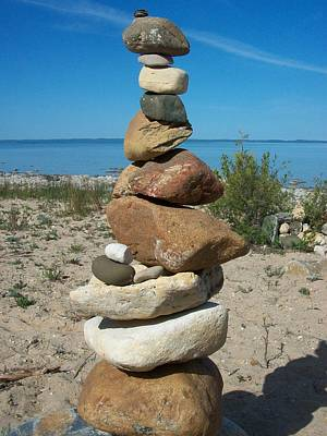 Lake Michigan Stone Pyramid Art Print by Johnny Yen