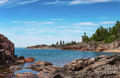 Photograph - Lake Superior Coastline by Les Palenik