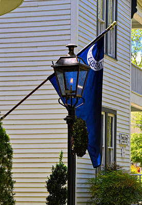 Photograph - Lamp Of Liberty by Linda Brown